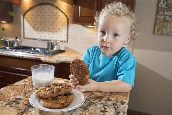 Child Backing Cookies